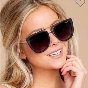 NWT ✨ Quay Australia French Kiss Sunglasses